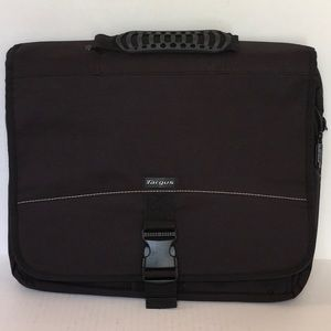 Targus Basic Messenger Case & Laptop Bag